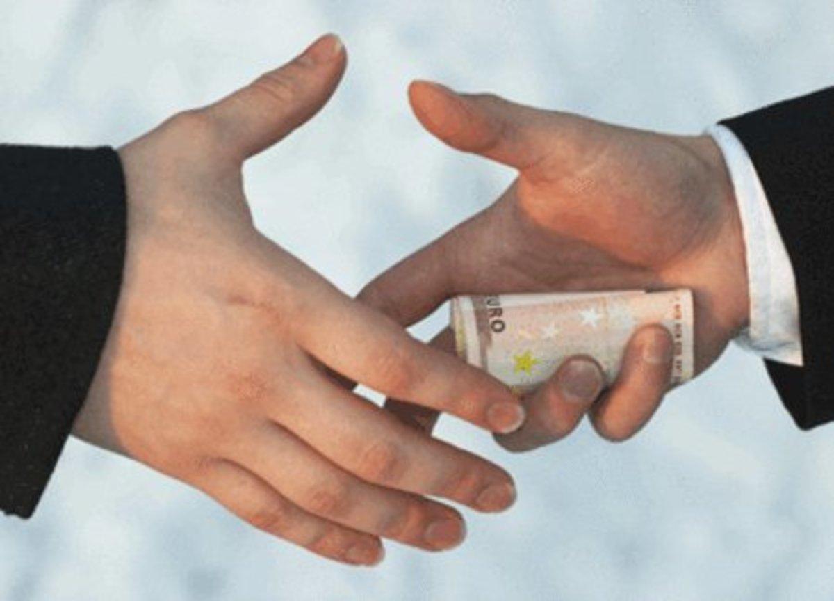 Συνελήφθη ο Διευθυντής του ΣΔΟΕ Δ. Ελλάδας για χρηματισμό – Τον «έδωσαν» οι ελεγκτές | Newsit.gr