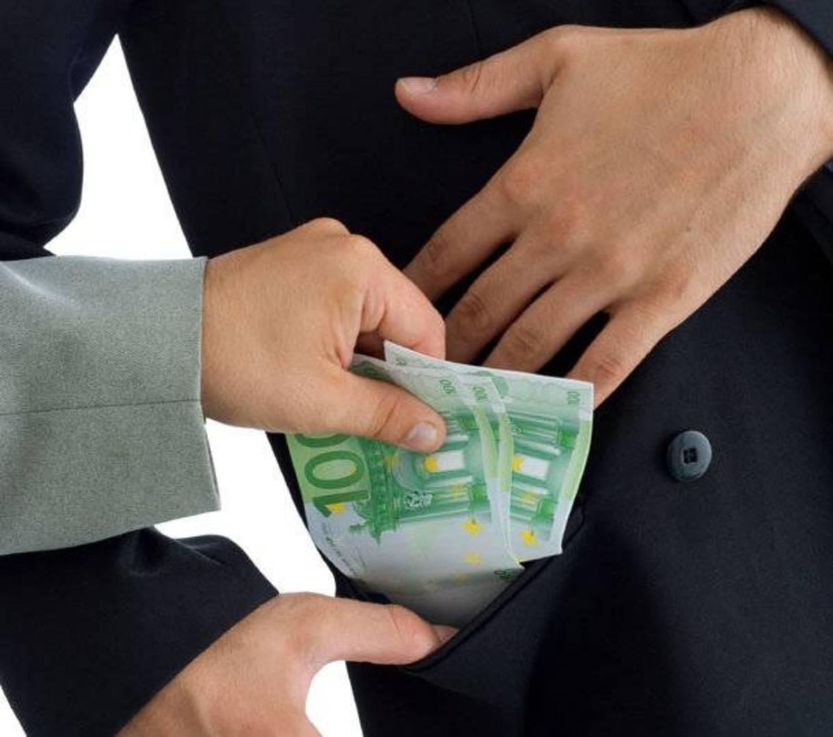 Ελλάδα, ο παράδεισος της… μίζας! Έλληνες πήραν 26 εκατ. δολάρια από αμερικανικούς κολοσσούς!   Newsit.gr
