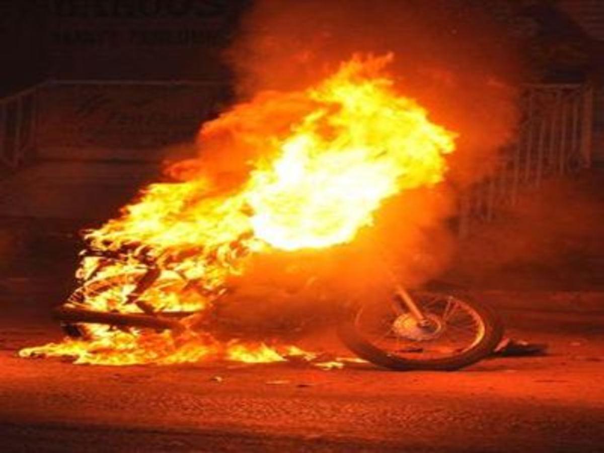 Ηράκλειο: Έκαψε το μηχανάκι του για να… εξαφανίσει τη βενζίνη! | Newsit.gr