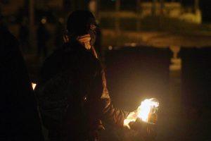 Εξάρχεια: Επίθεση με βόμβες μολότοφ σε αστυνομικούς