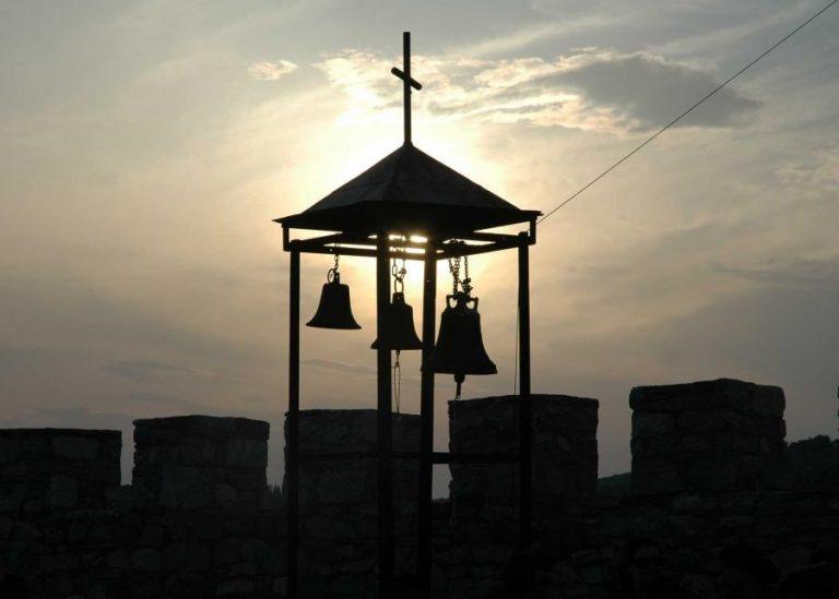 Λέσβος: «Σήκωσαν» το παγκάρι από το παρεκκλήσι αλλά… δεν πήγαν μακριά | Newsit.gr