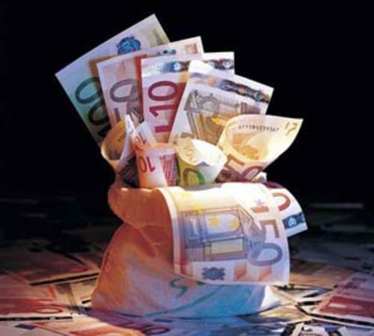 Friends with Benefits! Οι 4 Μεγάλες Προκλήσεις για τη Κυβέρνηση | Newsit.gr