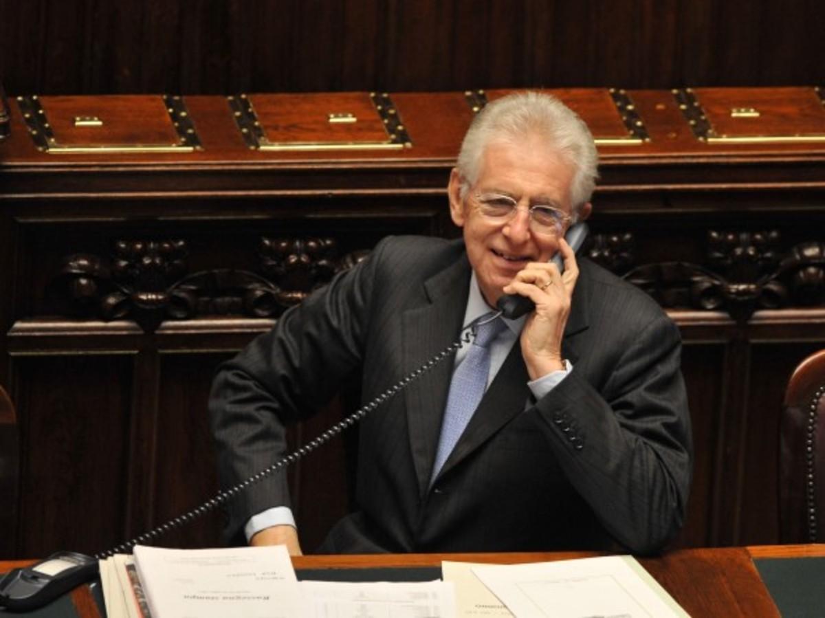 Τηλεφώνημα Μόντι σε Σαμαρά και Βενιζέλο | Newsit.gr