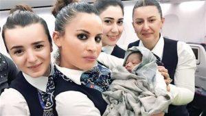 Τεράστιο δώρο της Turkish Airlines στο μωρό που γεννήθηκε εν πτήσει!