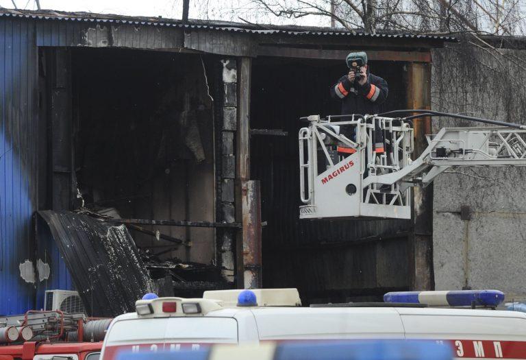 Τραγικός θάνατος για 15 μετανάστες – Έπιασε φωτιά η αποθήκη που τους είχαν στοιβαγμένους!   Newsit.gr