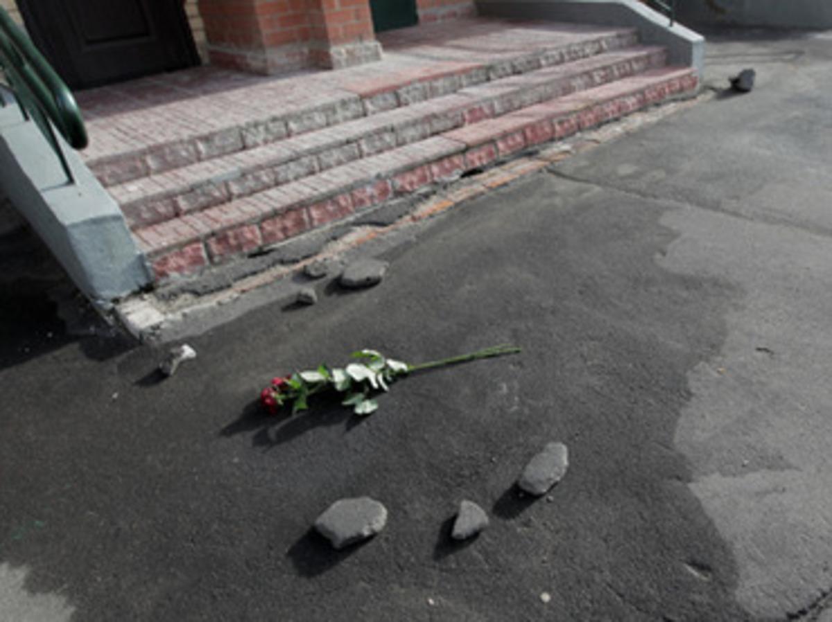 «Βαρέθηκε» και ξεφορτώθηκε τα παιδιά της πετώντας τα από τον 15ο όροφο!   Newsit.gr