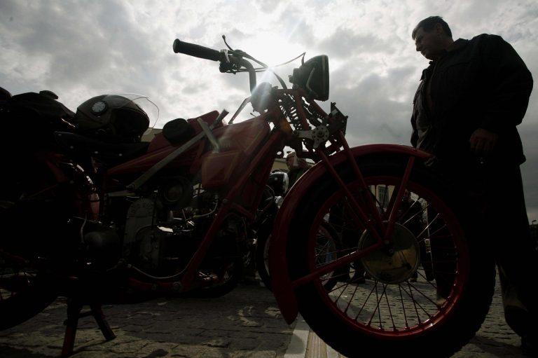 Πρέβεζα: Νεκρός στην άσφαλτο 82χρονος μοτοσυκλετιστής | Newsit.gr