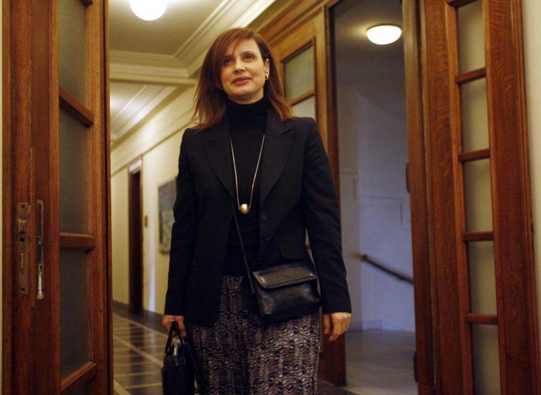 Επεισοδιακή ομιλία της Μπατζελή στο Βόλο | Newsit.gr