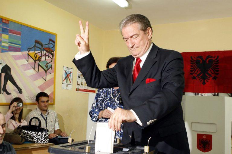 Στην Αλβανία δίνουν αυξήσεις σε μισθούς και συντάξεις | Newsit.gr