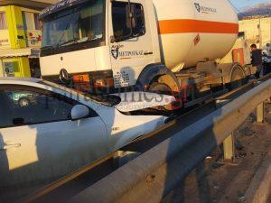 Πάτρα: Βυτίο μεταφοράς υγραερίου έπεσε σε πάνω σε αυτοκίνητο!