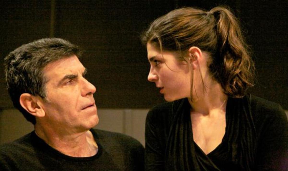 Γ. Μπέζος: Τι λέει για την συνεργασία με την κορη του σκη σκηνή! | Newsit.gr