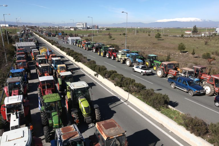 Νέο ραντεβού για τη Δευτέρα δίνουν οι αγρότες | Newsit.gr