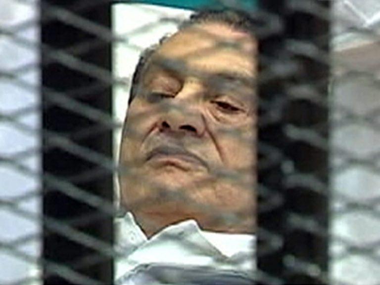 Θρίλερ με την υγεία του Χόσνι Μουμπάρακ – Είναι σε κώμα, όχι κλινικά νεκρός | Newsit.gr