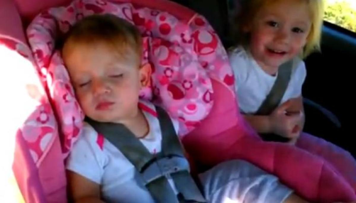 Δείτε πως αντέδρασε το μωράκι όταν άκουσε το αγαπημένο του τραγούδι… | Newsit.gr