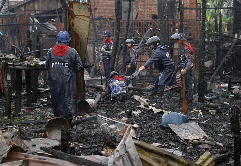 Πενήντα νεκροί σε θρησκευτικές συγκρούσεις | Newsit.gr