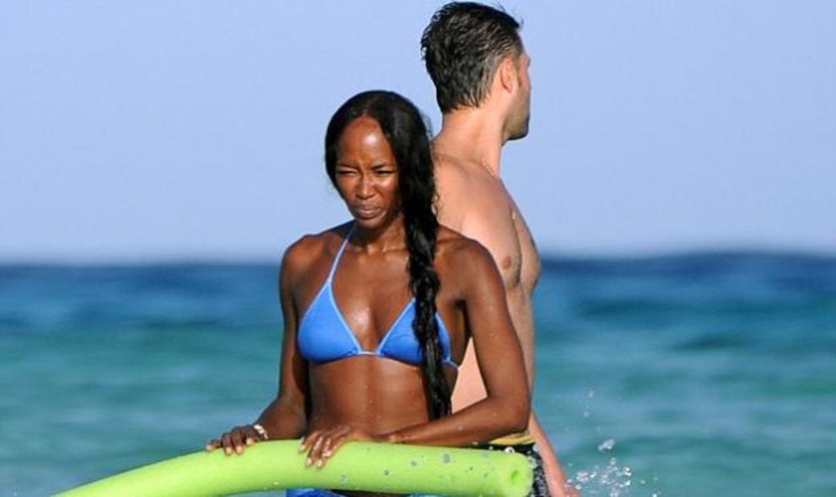 Η Naomi Campbell κάνει διακοπές και δείχνει το απόλυτα σέξι σώμα της! | Newsit.gr