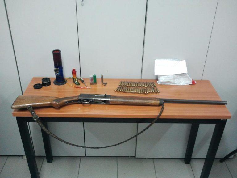 Φλώρινα: Είχε και παράνομο όπλο και ναρκωτικά | Newsit.gr
