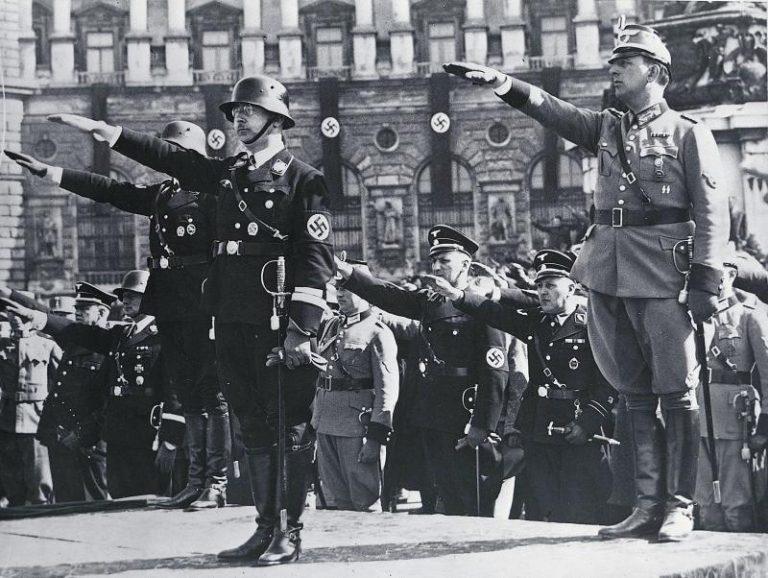 Ισόβια σε τρεις Γερμανούς πρώην Ναζιστές | Newsit.gr