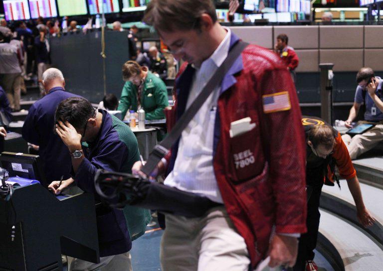 «Μάτωσαν» οι αγορές όλου του κόσμου – Μαύρη Δευτέρα για την παγκόσμια οικονομία – Καταποντίστηκε η Wall Street – 14 χρόνια πίσω το Χ.Α. | Newsit.gr