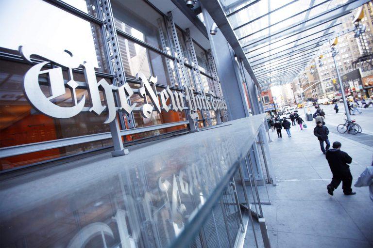 Υπέρ της Ελλάδας, κατά της Μέρκελ οι New York Times | Newsit.gr