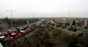 Μπλόκα αγροτών: Ποιοι δρόμοι είναι κλειστοί, πώς γίνεται η κυκλοφορία των οχημάτων