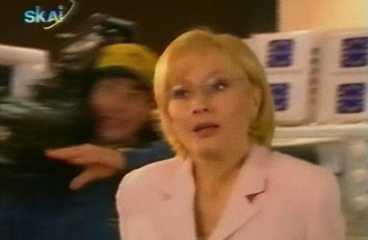 Όταν «συνέλαβαν» την Νικολούλη να ψάχνει «Φως» σε… ψυγεία | Newsit.gr