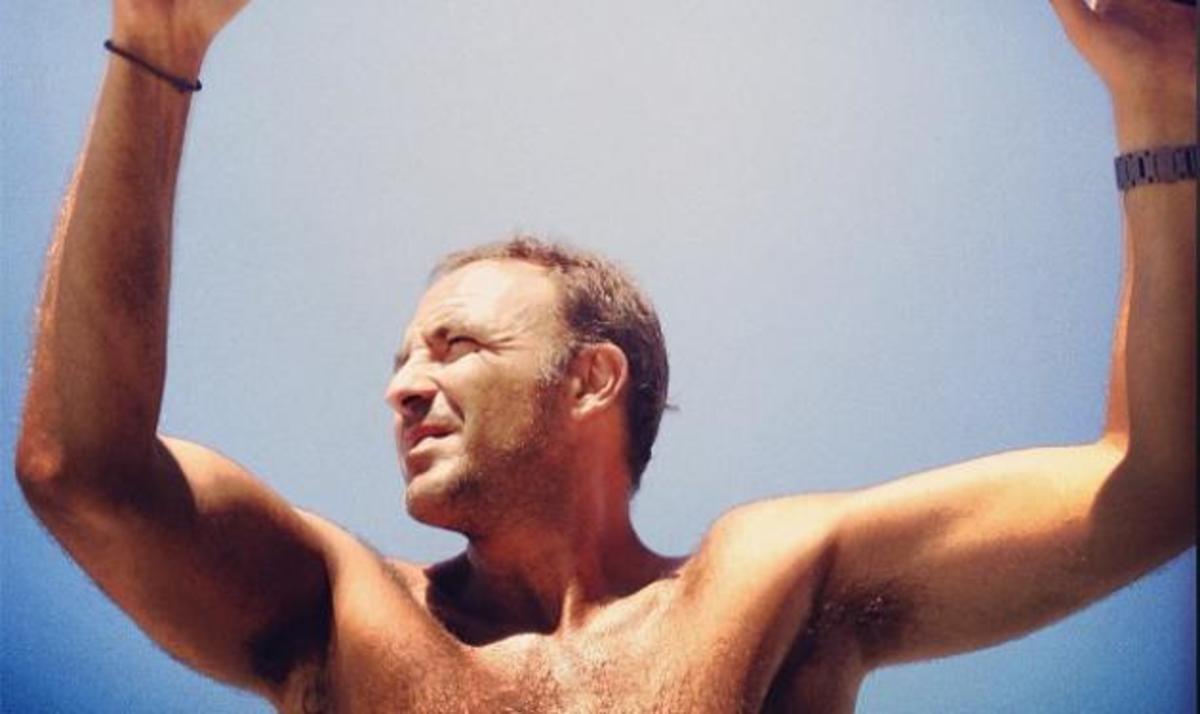 Ν. Αλιάγας: To album των διακοπών του στην ιδιαίτερη πατρίδα του!   Newsit.gr