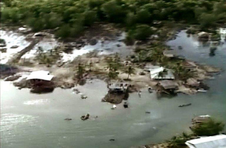 Ξύπνησε ο εφιάλτης του τσουνάμι του 2004   Newsit.gr
