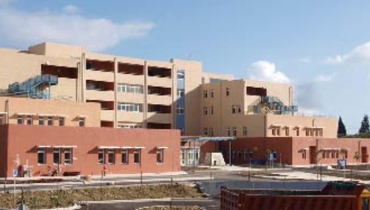Τελειώνουν τα τρόφιμα και στο νοσοκομείο Ζακύνθου! Καταρρέει το νοσοκομείο   Newsit.gr