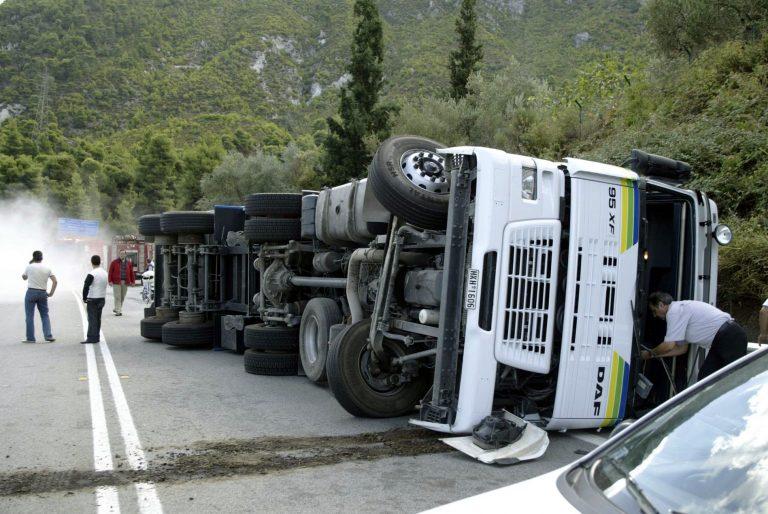 Ξεψύχησε οδηγός νταλίκας στην Εθνική Σερρών-Θεσσαλονίκης | Newsit.gr
