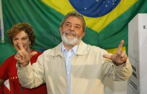 Θέλουν να ξανά τον Λούλα πρόεδρο οι Βραζιλιάνοι – Μαζί του και ο Όλιβερ Στόουν!