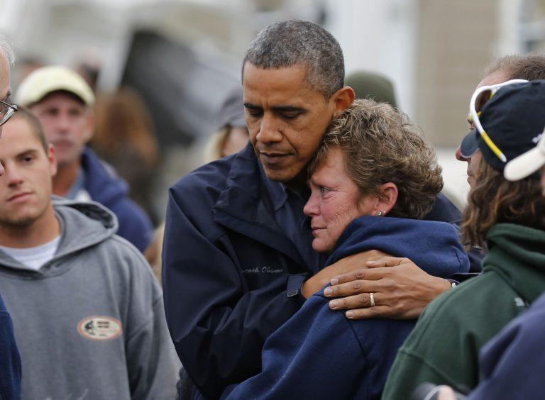 Ο Ομπάμα στους πληγέντες της Sandy: «Δε θα το βάλουμε κάτω» – 74 οι νεκροί από τον τυφώνα | Newsit.gr
