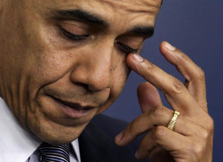 Τα δάκρυα του Ομπάμα για το μακελειό στο δημοτικό σχολείο του Κονέκτικατ (VIDEO) | Newsit.gr