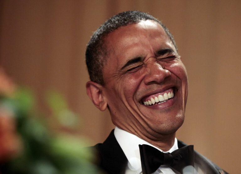 Η μεθυσμένη Χίλαρι κι ο κουρασμένος σκύλος – Όταν ο Ομπάμα προσπαθεί να κάνει… χιούμορ! (VIDEO) | Newsit.gr