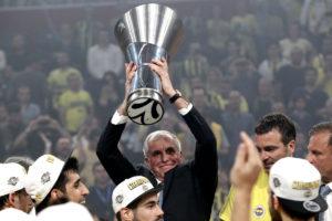 Ομπράντοβιτς: «Θέλω να μείνει ο Σλούκας»