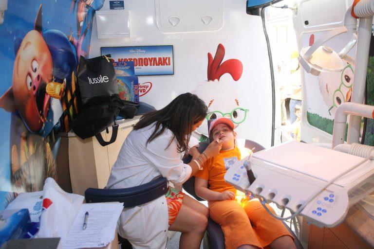 Πολλοί μαθητές δεν έχουν επισκεφθεί ποτέ οδοντίατρο! | Newsit.gr