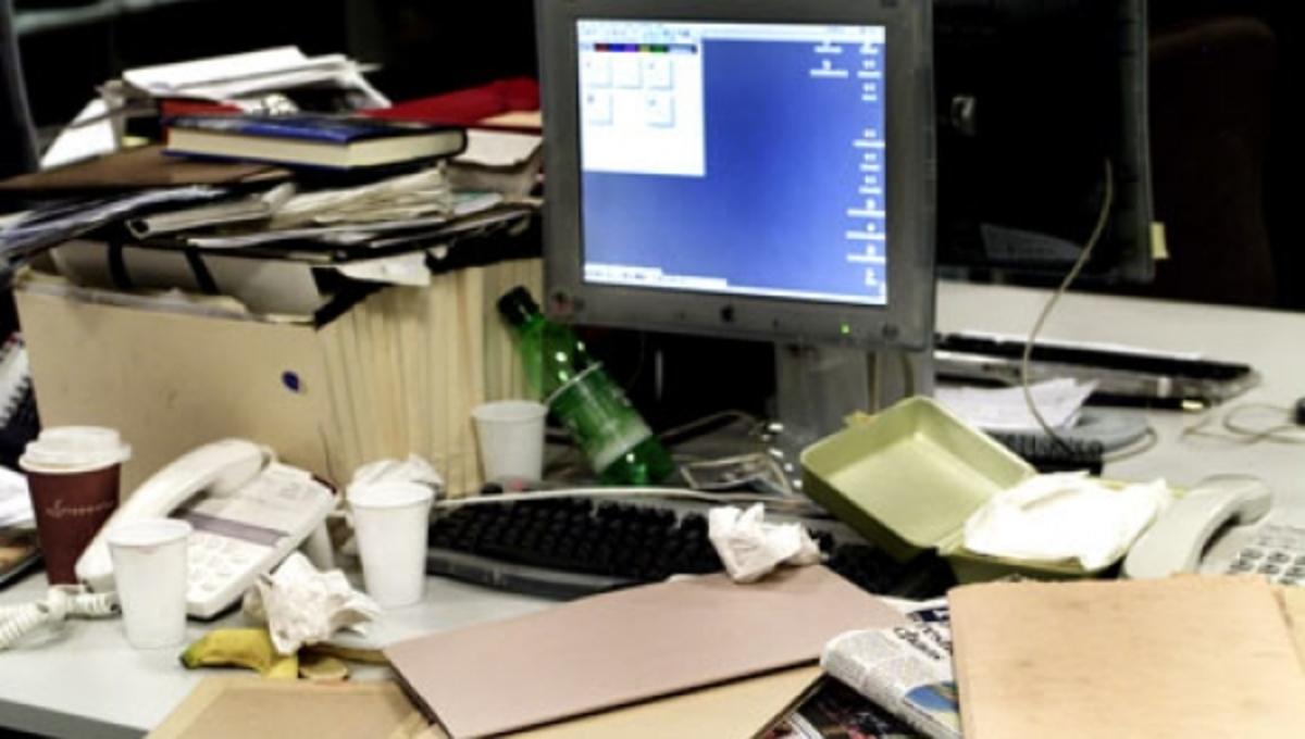 """""""Βρωμιάρηδες"""" οι άνδρες, εργάζονται σε γεμάτα μικρόβια γραφεία   Newsit.gr"""