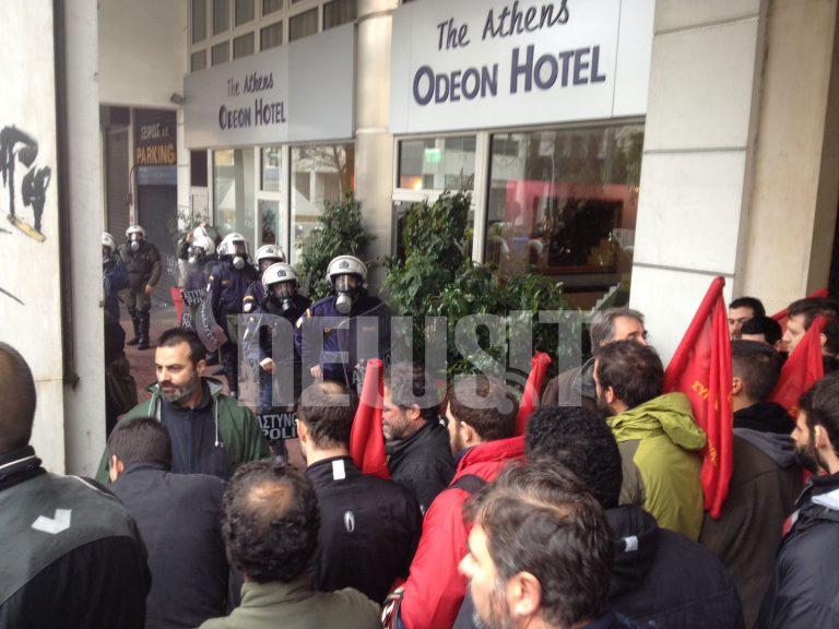Οικοδόμοι απέκλεισαν το υπουργείο Εργασίας | Newsit.gr