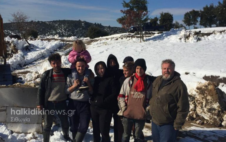 Καιρός: Απεγκλωβίστηκε οικογένεια με 6χρονο κοριτσάκι στην ορεινή Σιθωνία! | Newsit.gr