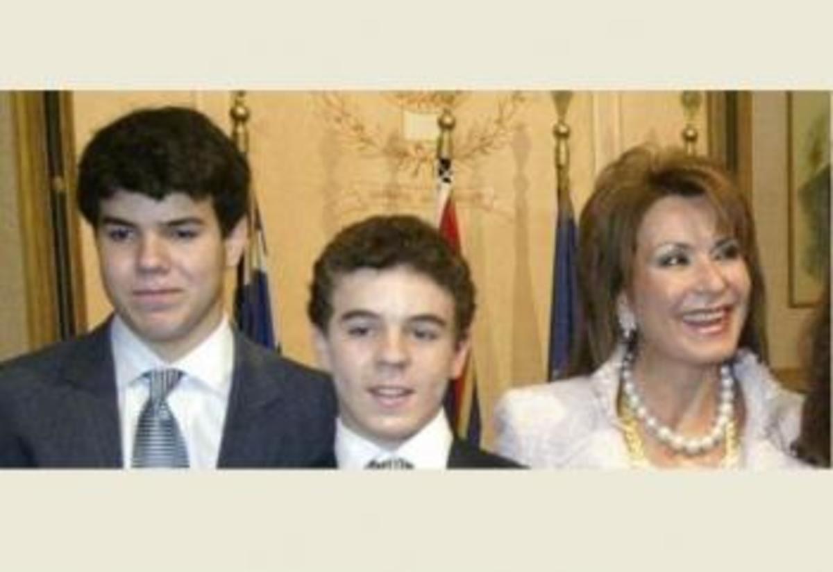 Αγανάκτησε! Ο πρωτότοκος γιός της Γιάννας Αγγελοπούλου καταγγέλει το σύστημα | Newsit.gr