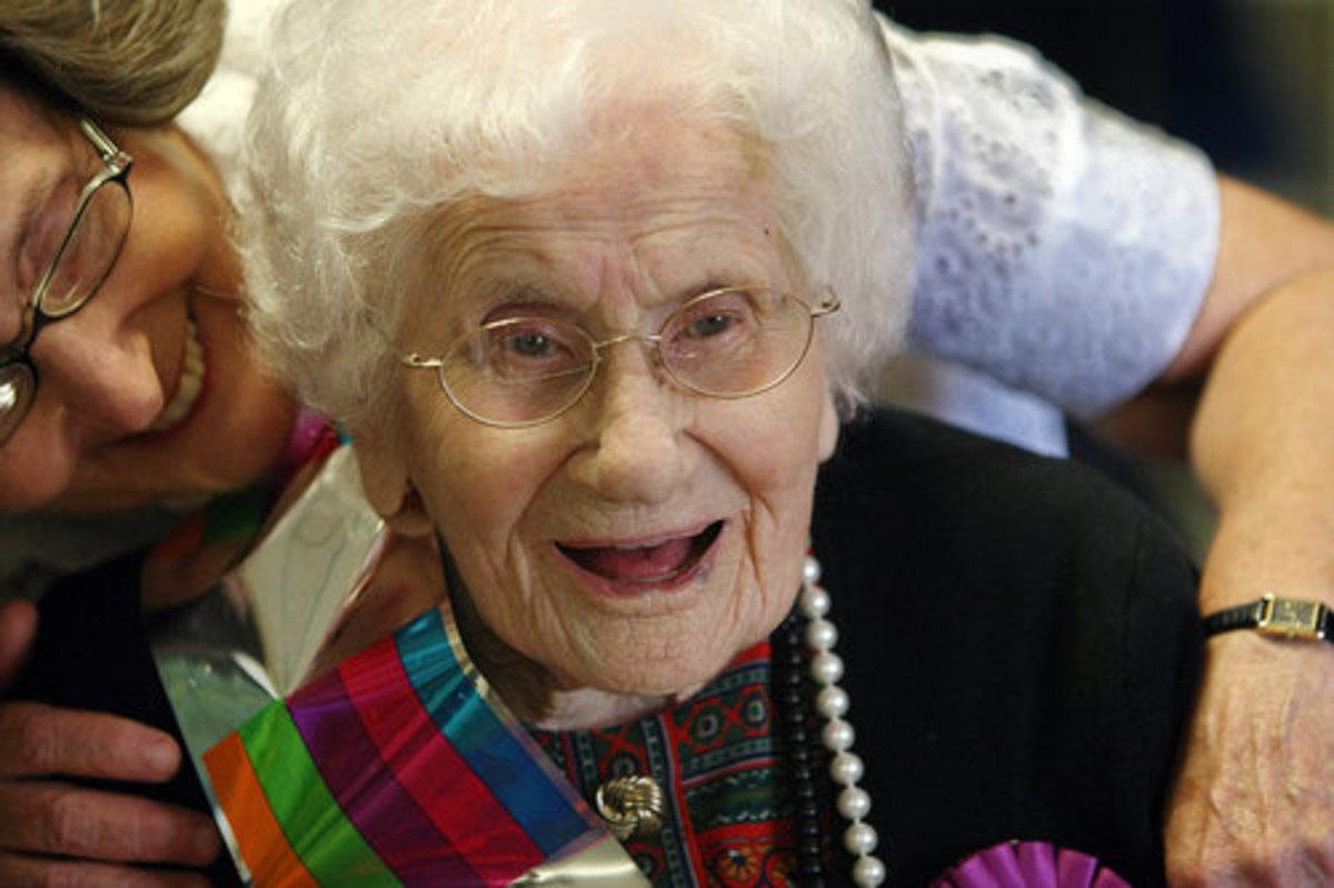 Απίστευτο! Πήρε σύνταξη σε ηλικία 102 ετών | Newsit.gr