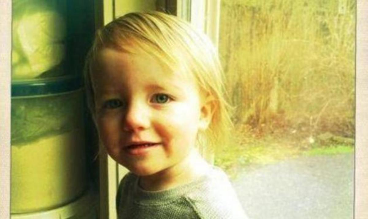 Aπίστευτη τραγωδία: Αγοράκι δυο ετών πνίγηκε εγκλωβισμένο στο πλυντήριο! Συγκλονίζει η μαρτυρία της μάνας! | Newsit.gr