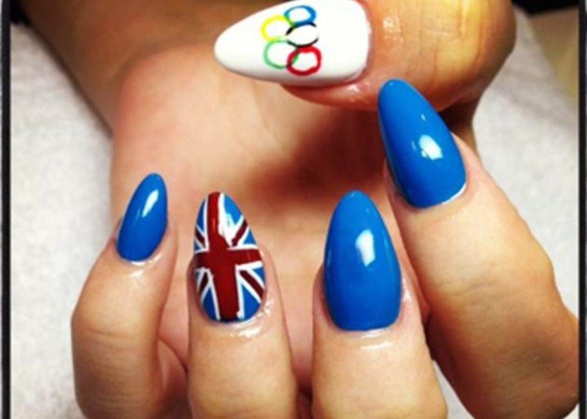 Ποια διάσημη έκανε αυτό το μανικιούρ με έμπνευση από τους Ολυμπιακούς;   Newsit.gr