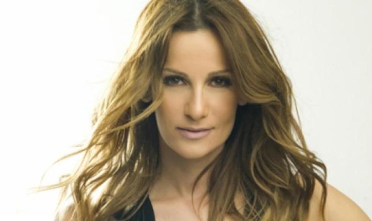 Δ. Ολυμπίου: Άκουσε αποκλειστικά το τραγούδι της Eurovision στα ισπανικά! Video | Newsit.gr