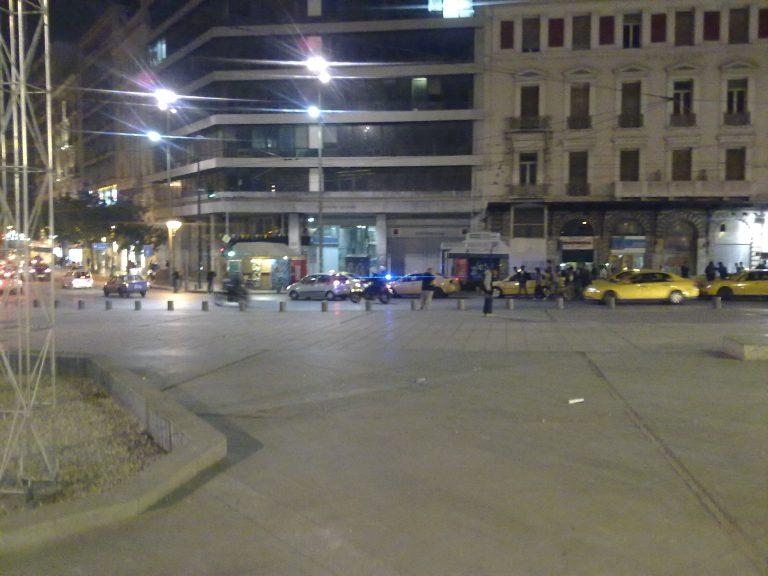 Άγρια συμπλοκή και πυροβολισμοί στην Ομόνοια | Newsit.gr
