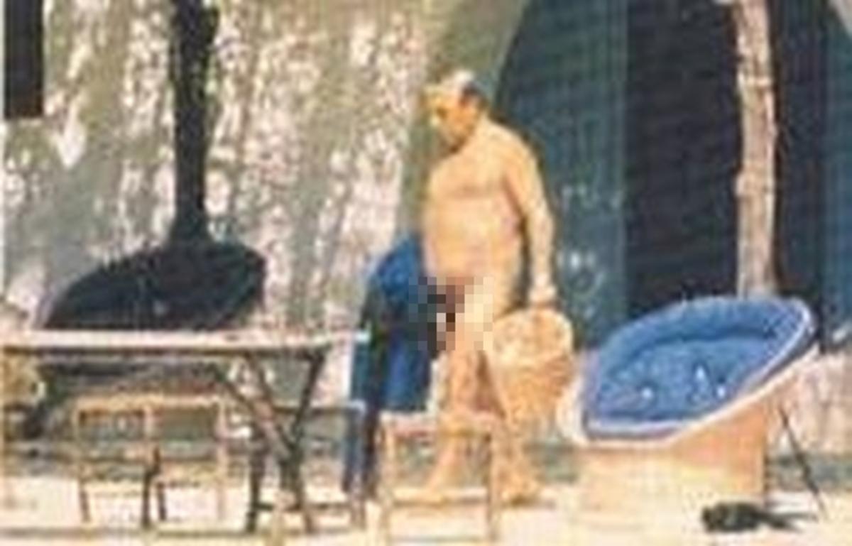 Η Τζάκι φωτογράφισε τον Ωνάση γυμνό και έστειλε τη φωτογραφία στα περιοδικά | Newsit.gr