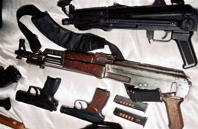 Καστοριά: Είχαν όλων των ειδών τα όπλα!   Newsit.gr