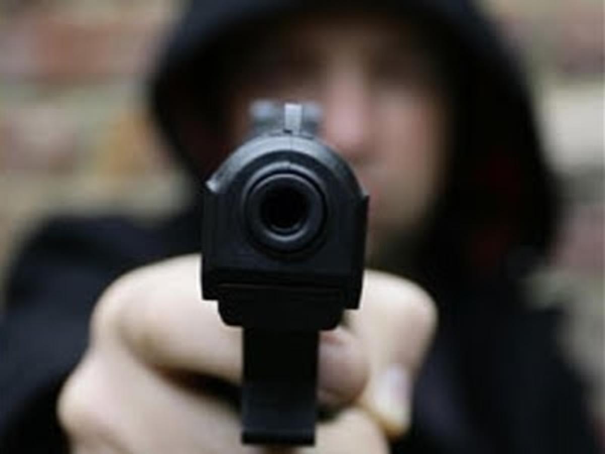 Τον πυροβόλησε μέσα στη μέση του δρόμου! | Newsit.gr