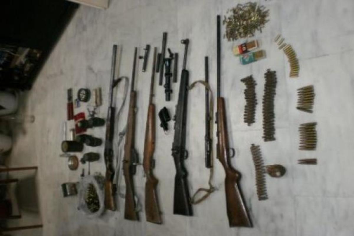 Ένα μικρό οπλοστάσιο στο σπίτι δύο Χανιωτών – ΦΩΤΟ | Newsit.gr