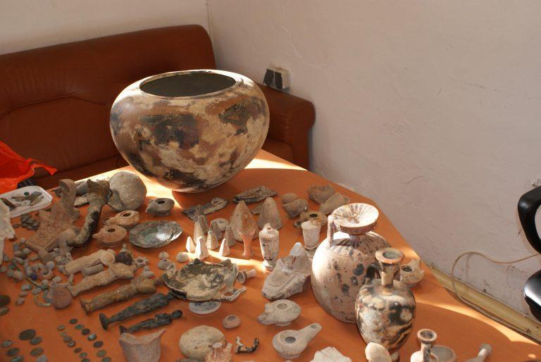 Σπίτι «μουσείο» και «οπλοστάσιο» στο Ηράκλειο   Newsit.gr